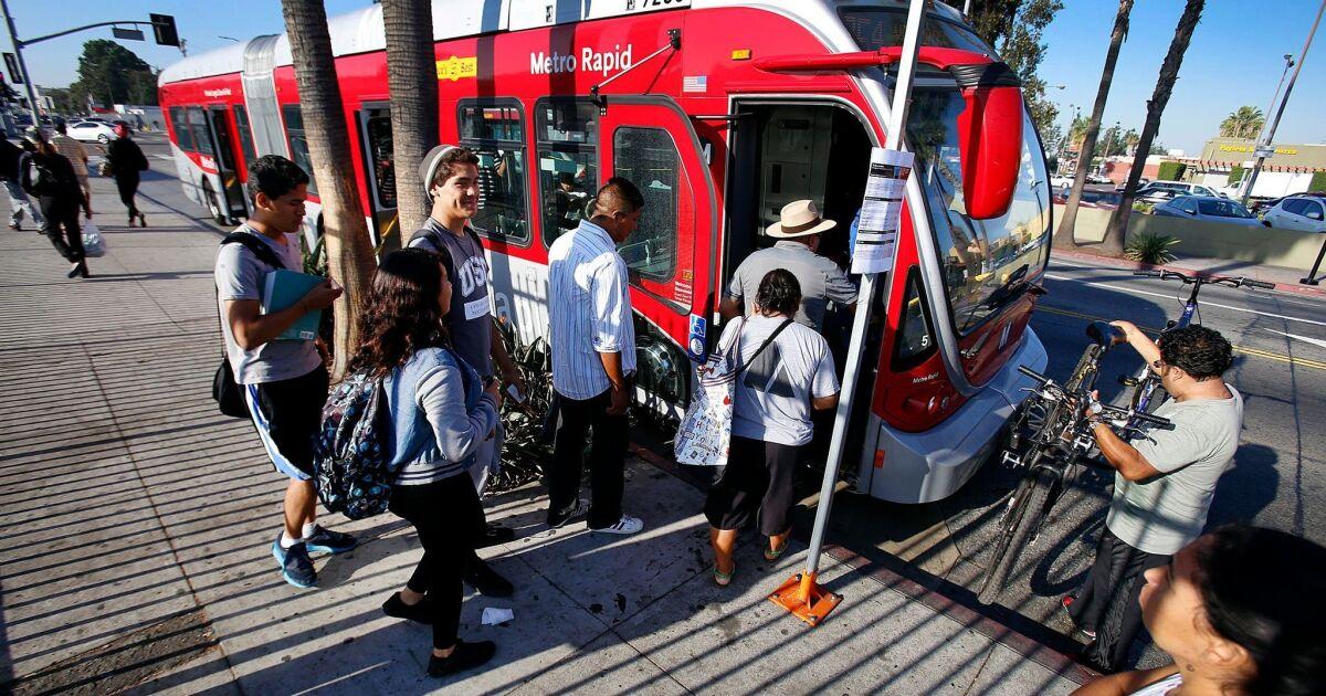Λ. Α. Μετρό είναι σχέδιο για να διορθώσετε κατακόρυφα την επιβατική κίνηση: Περισσότερα λεωφορεία και λιγότερες στάσεις σε δρόμους