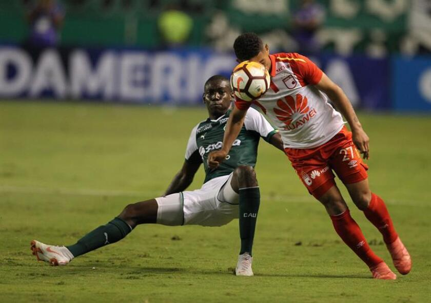Didier Delgado from Deportivo Cali playing against Edwin Herrera from Santa Fe Oct. 30, 2018, at the stadium of Deportivo Cali in Cali (Colombia). EPA-EFE FILE/Ernesto Guzmán Jr.