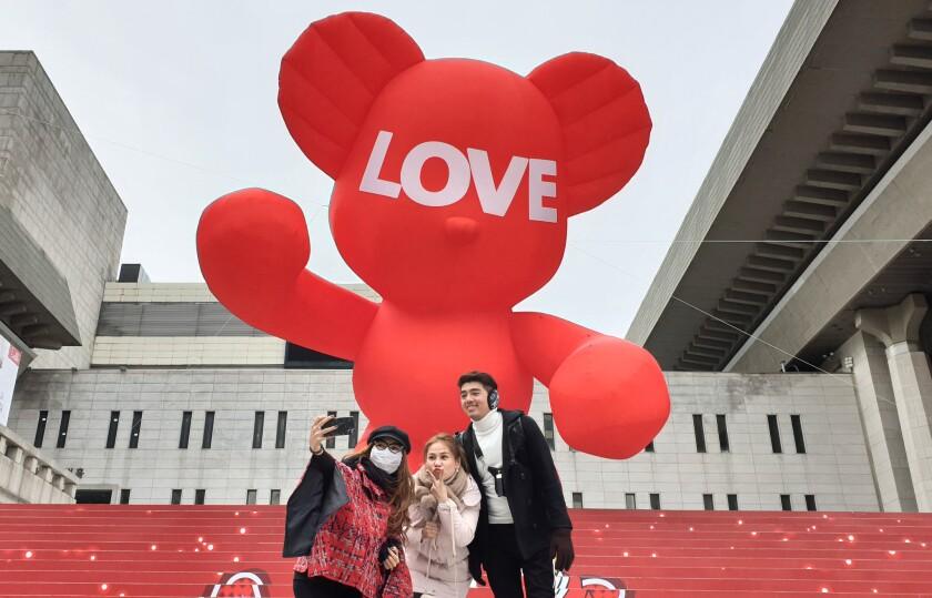 Hug Bear for Christmas in eoul, Seoul, Korea - 11 Dec 2018