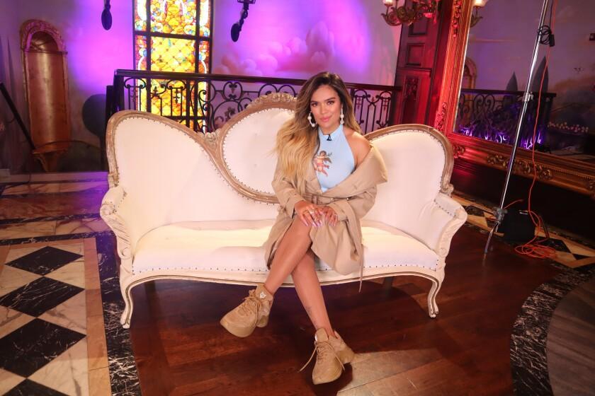 La cantante colombiana Karol G posa durante una entrevista