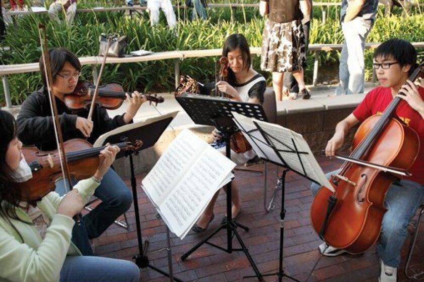 TPHS String Quartet: Anita Chen, Leonard Chen, Amber Seong, Austin Shyu