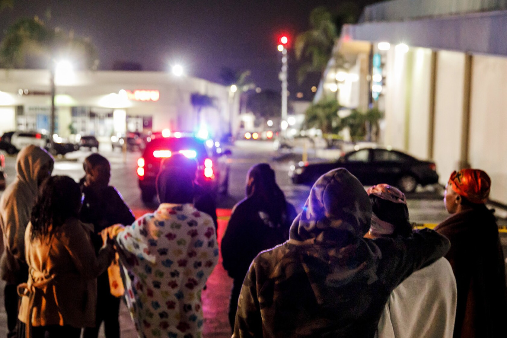 3 shot dead, 4 injured at Torrance bowling alley - Los Angeles Times
