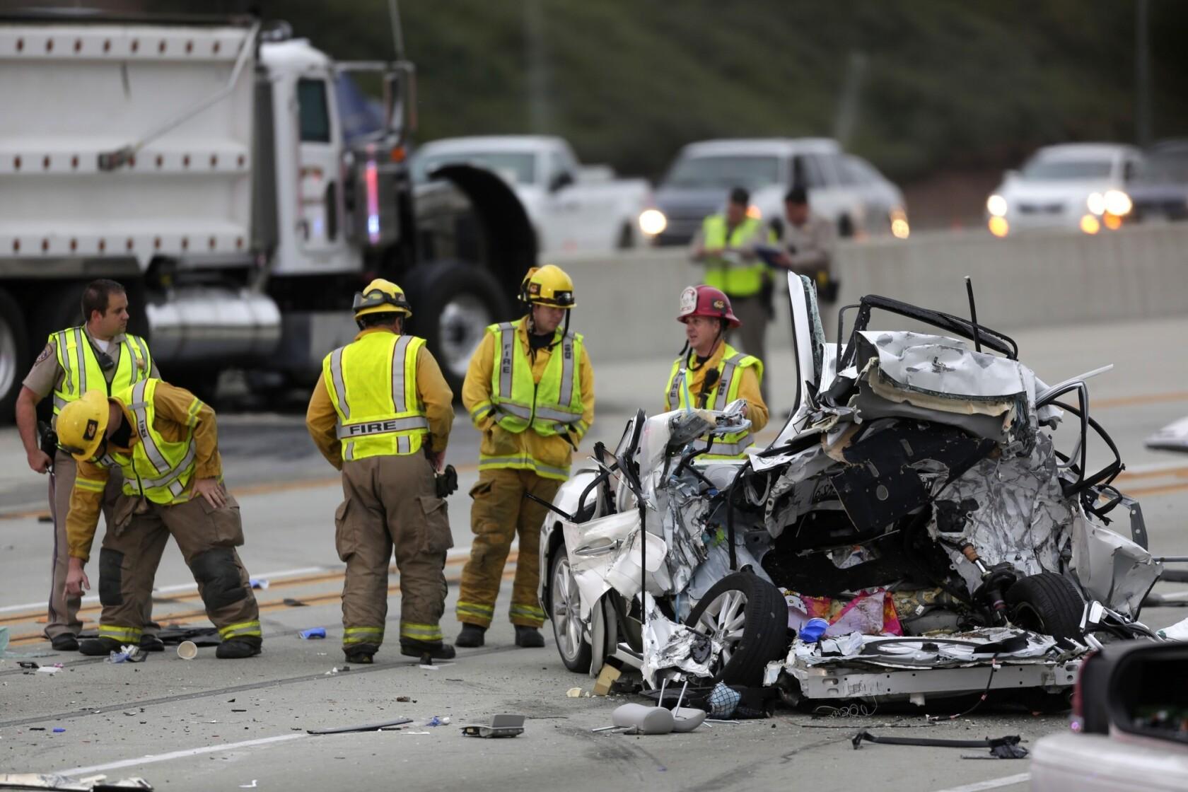 Fatal crash closes eastbound 210 ...