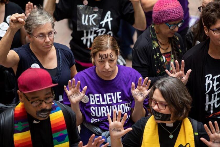 Víctimas de agresiones sexuales muestran repudio contra Kavanaugh