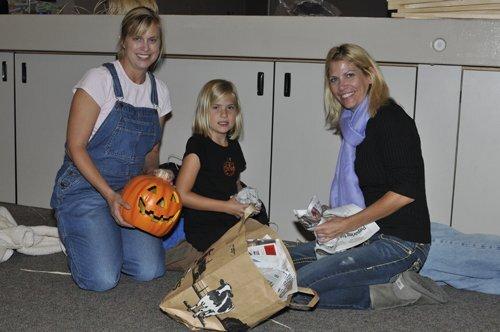 Ashley Falls Build a Scarecrow 2011