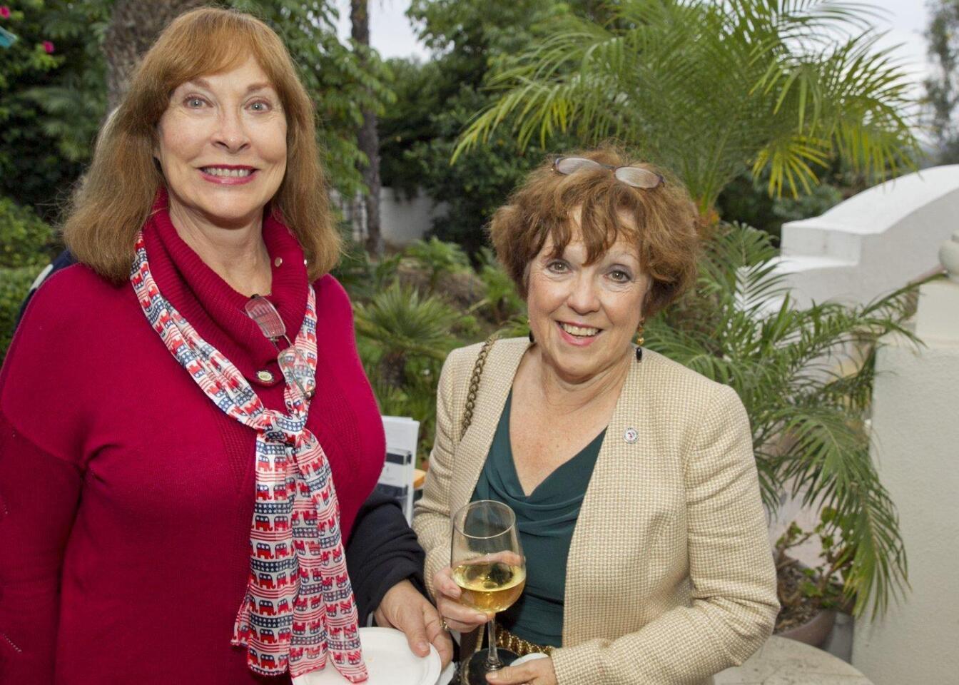 Laurel Lemarie, Gerda Snell