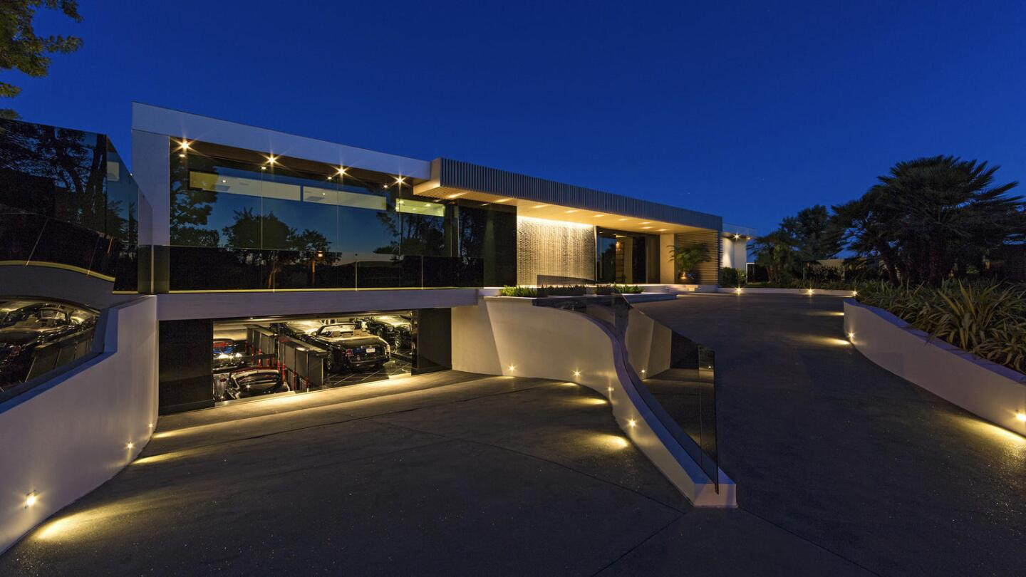 Inside Game Billionaire Markus Persson S Beverly Hills Home Los Angeles Times