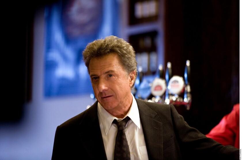 Dustin Hoffman fue acusado de acoso sexual por una mujer con quien trabajó en la década de los 80, cuando ella tenía 17 años.