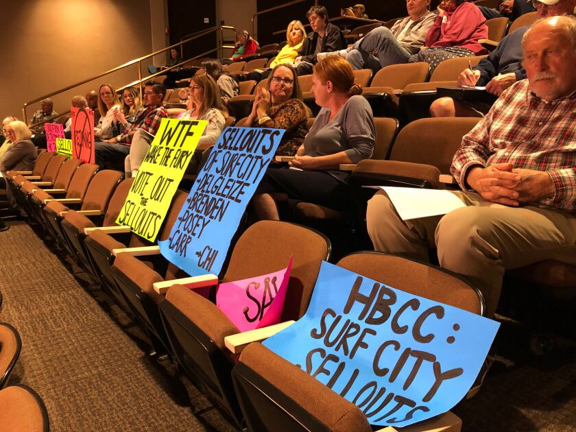 HB council protests