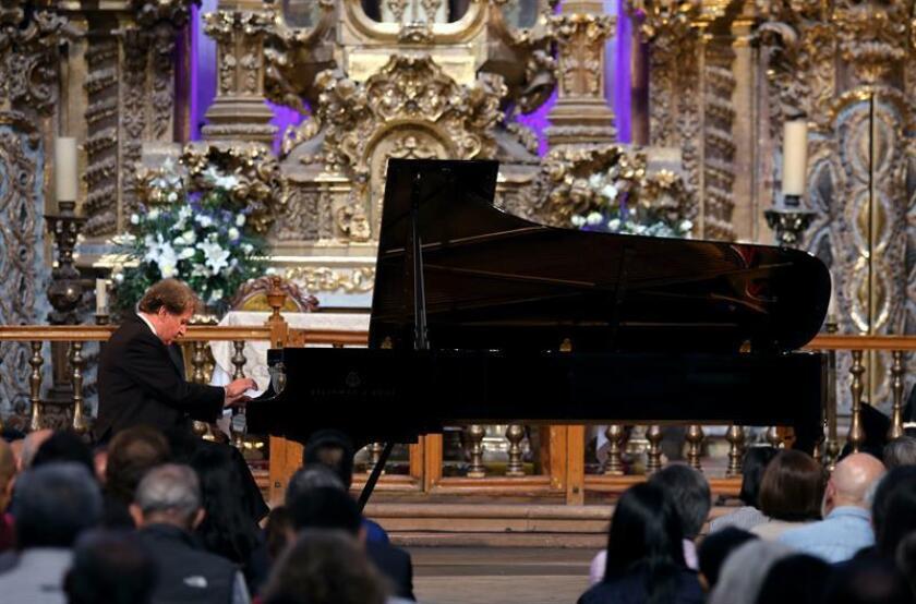 Algunos de los músicos que actuarán en el festival, serán el pianista austríaco Rudolf Buchbinder y Shaham, quienes interpretarán obras de Beethoven, mientras que el conjunto Tafelmusik deleitará al público con piezas de Johann Sebastian Bach. EFE/ARCHIVO