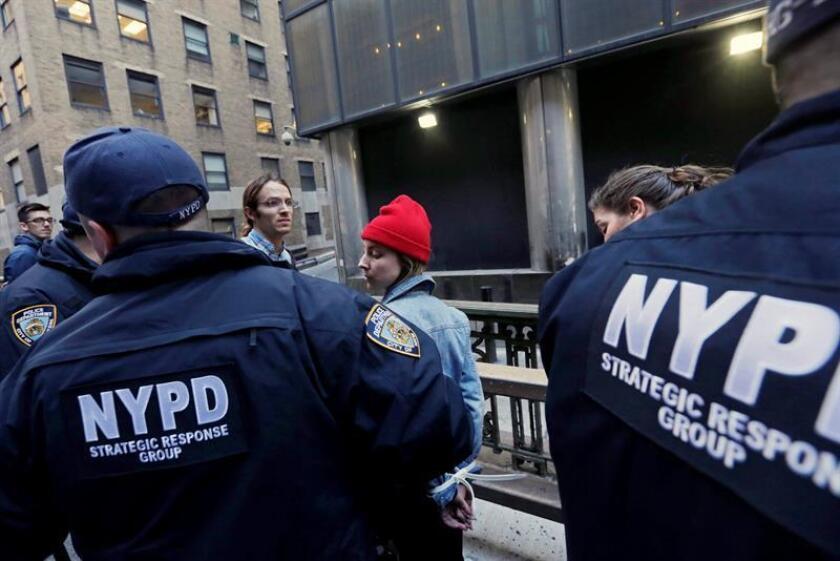 Un muerto y varios heridos dejó hoy un tiroteo en un club nocturno en un suburbio de Nueva York, informaron las autoridades. EFE/ARCHIVO