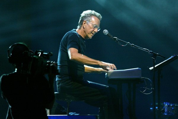 Ray Manzarek, keyboardist and founding member of the Doors, died Monday after a battle with cancer.