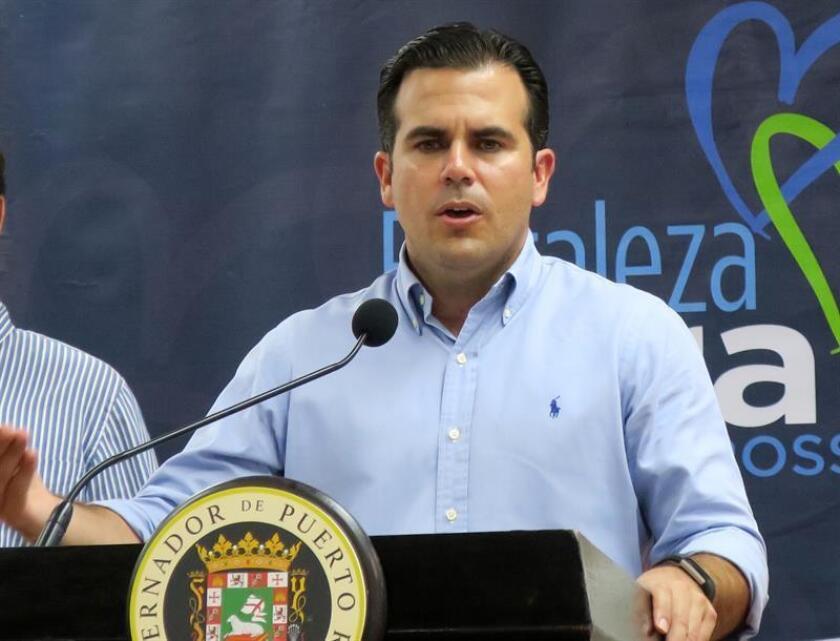 El gobernador de Puerto Rico, Ricardo Roselló, ofrece una conferencia de prensa. EFE/Archivo