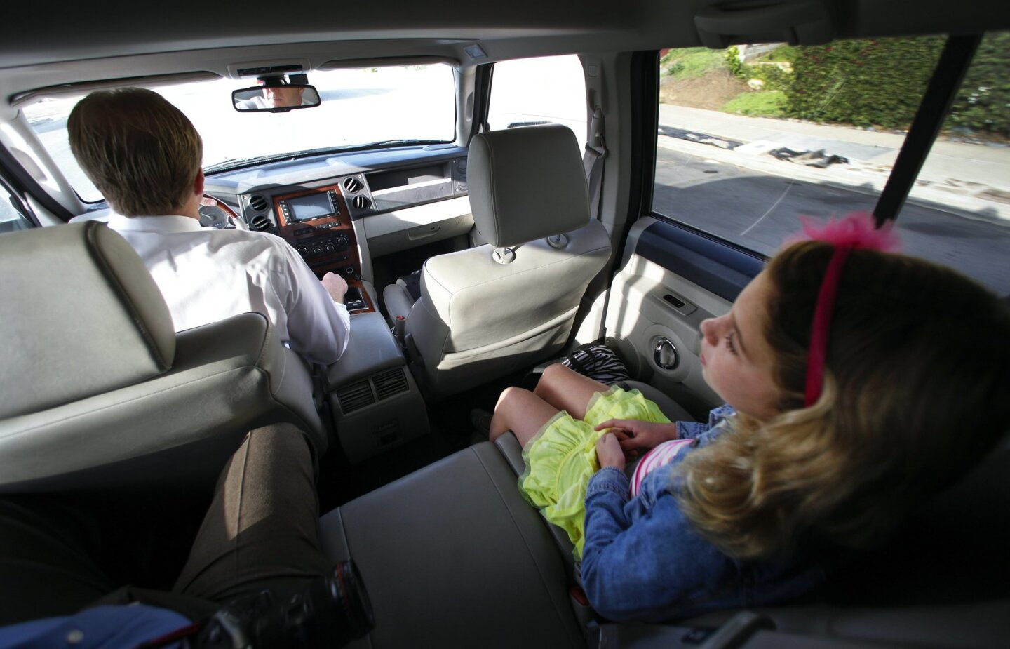 San Diego Mayor Kevin Faulconer drives his daughter, Lauren, to school before heading to City Hall.