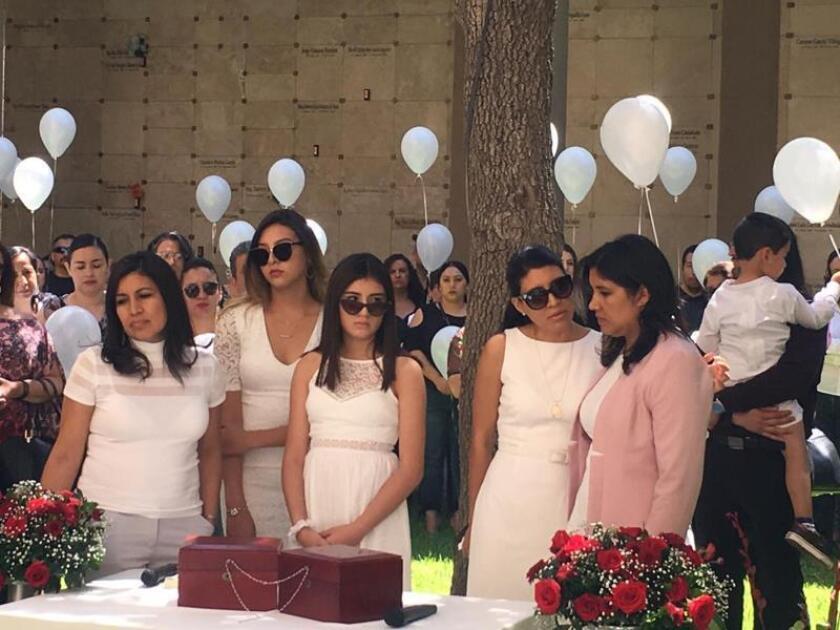 Las hijas de un matrimonio asesinado en El Paso piden educar a sus hijos en el respeto