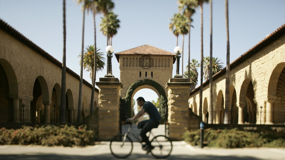 Stanford to alter academic calendar, offer mix of online and in