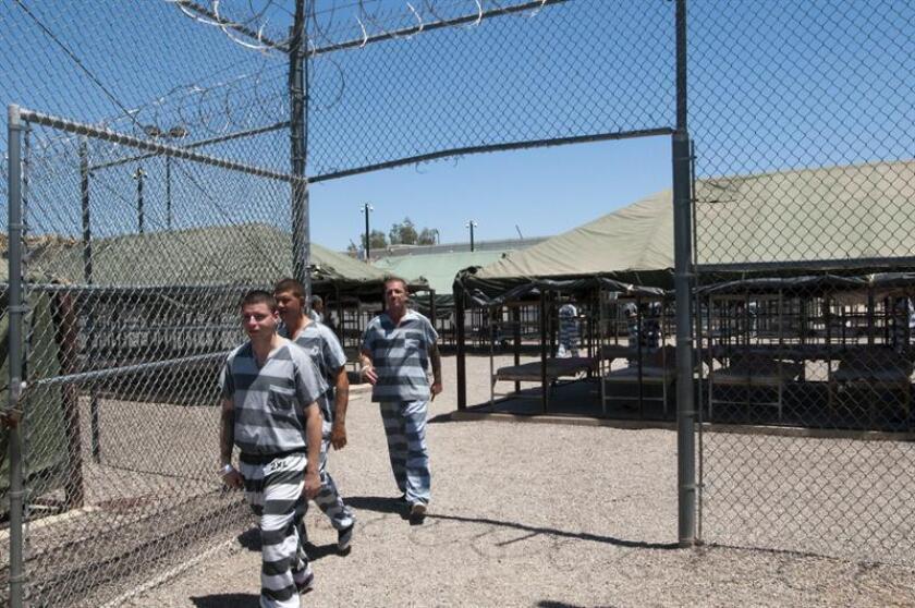 """El senador republicano de Arizona Steve Smith asegura que quiere """"salvar vidas"""" con su proyecto de ley que establecería las penas máximas a los indocumentados sentenciados por delitos y les impediría solicitar la libertad bajo fianza o sentencias reducidas. EFE/ARCHIVO"""