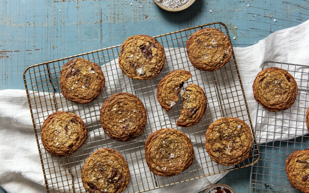 Brown butter espresso chocolate chip cookies cool on a rack.