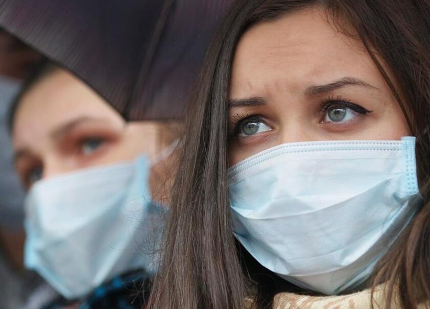 Un nuevo tinte fluorescente podría acelerar y simplificar en gran medida el diagnóstico de la tuberculosis, permitiendo una detección más rápida de bacterias vivas en muestras de saliva en poco menos de una hora, según un estudio publicado hoy en la revista Science Translational Medicine. EFE/Archivo