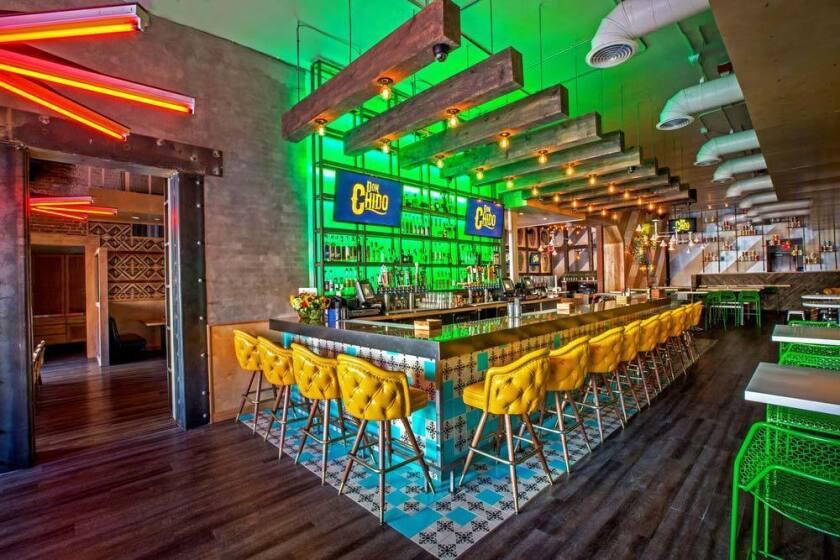 Don-Chido-Interior-Bar