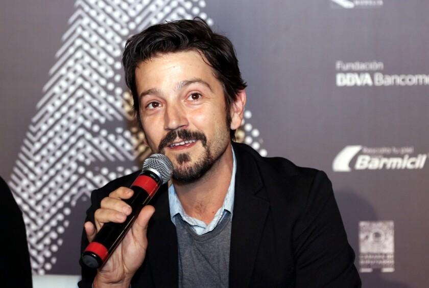 Diego Luna (foto) aventura que habrá más de un error de pronunciación de los nombres de los mexicanos.