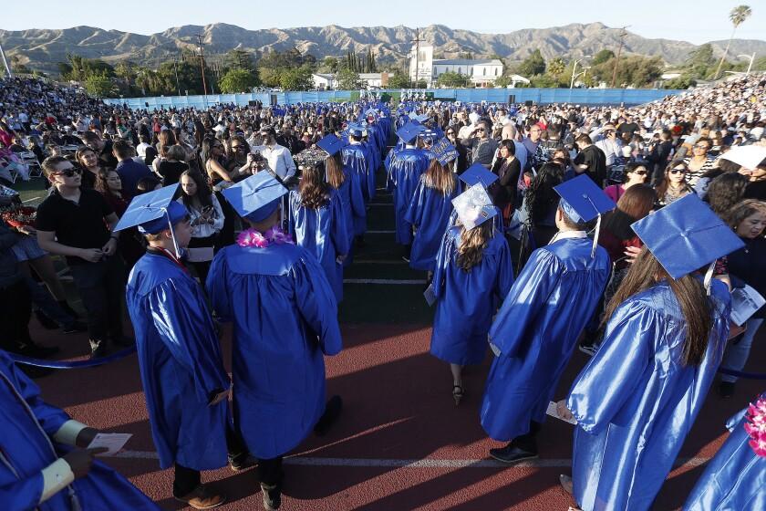 Bhs Graduation 2020.Burbank High School Seniors Will Need To Pay Again To Keep