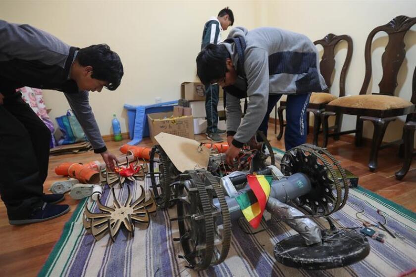 Registro del equipo boliviano que ganó la Competencia Internacional de Desminado Humanitario, Minesweepers 2018, en Viacha (Bolivia). EFE