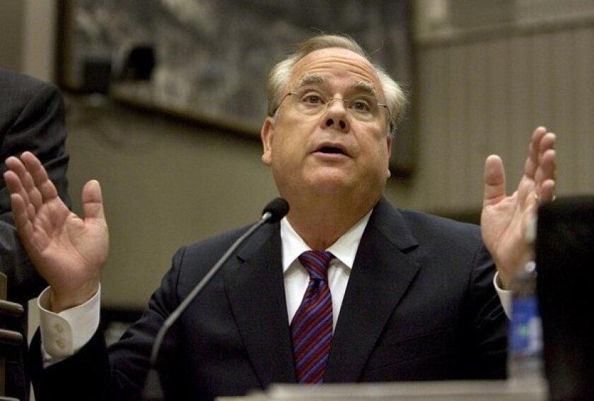 California Treasurer Bill Lockyer testifies at a legislative hearing in 2007.