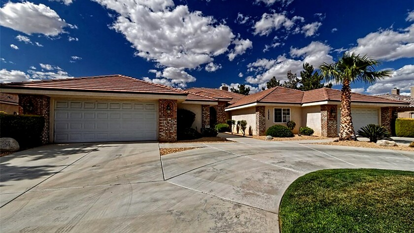 $689,000 in Apple Valley