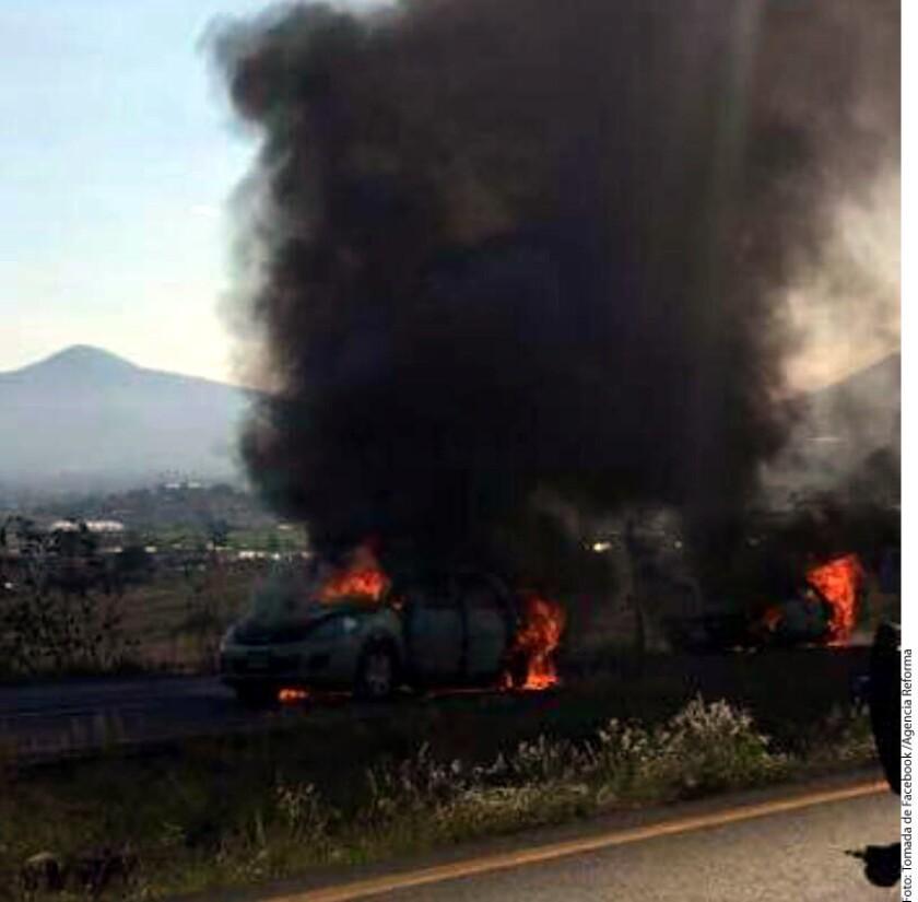 Presuntos narcotraficantes del occidental estado mexicano de Michoacán derribaron hoy un helicóptero, causando la muerte del piloto y tres policías, informó el gobernador Silvano Aureoles.