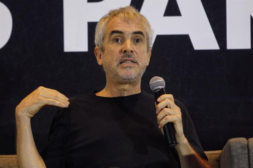 Diego Luna, Alfonso Cuarón y Gloria Trevi fueron algunos de los personajes del cine y la música que aprovecharon la jornada electoral de hoy para animar a los mexicanos a ir a las urnas, así como a reflexionar sobre el compromiso ciudadano. EFE/ARCHIVO
