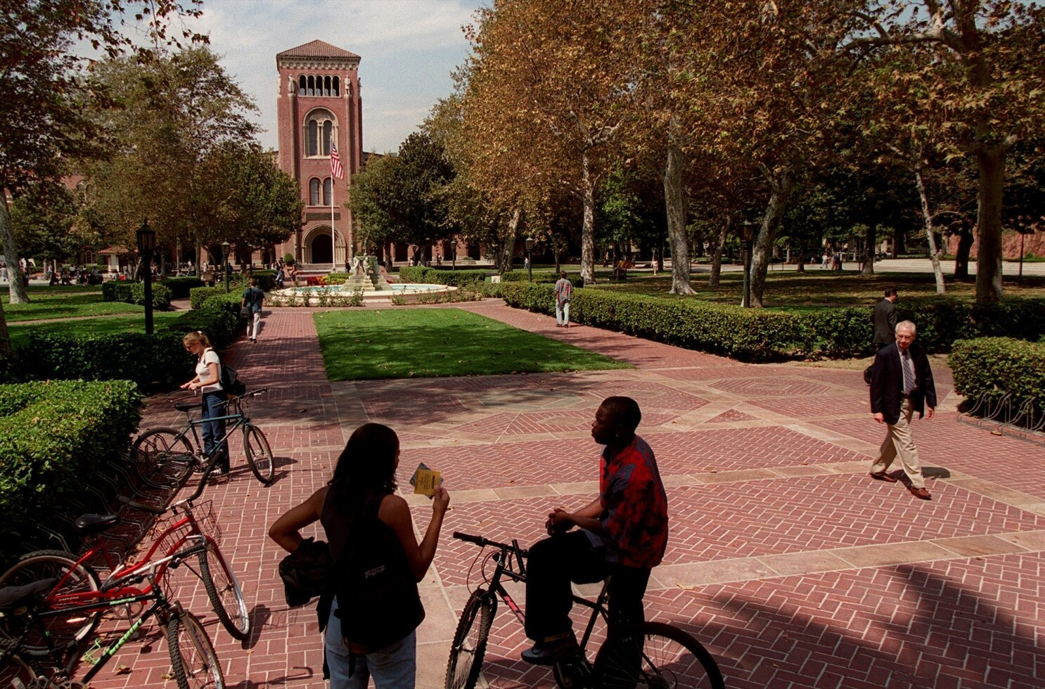 Usc To Reopen Its Fall With Online And In Person Classes Los Angeles Times
