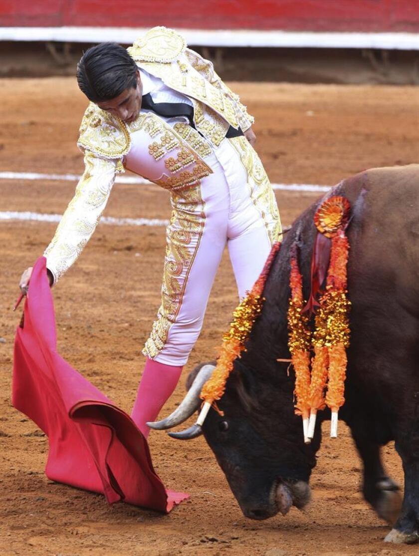 """Fotografía de archivo del torero mexicano Ernesto Javier Tapia """"Calita"""". EFE/Archivo"""