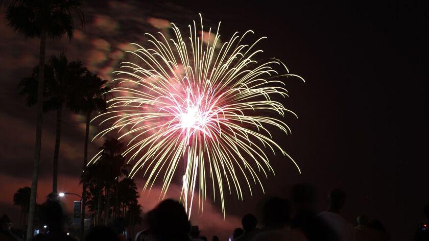 la–me–fireworks