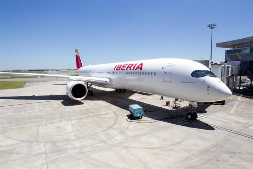 Registro del avión Airbus A350-900 de Iberia, bautizado en honor del tenor español Plácido Domingo.