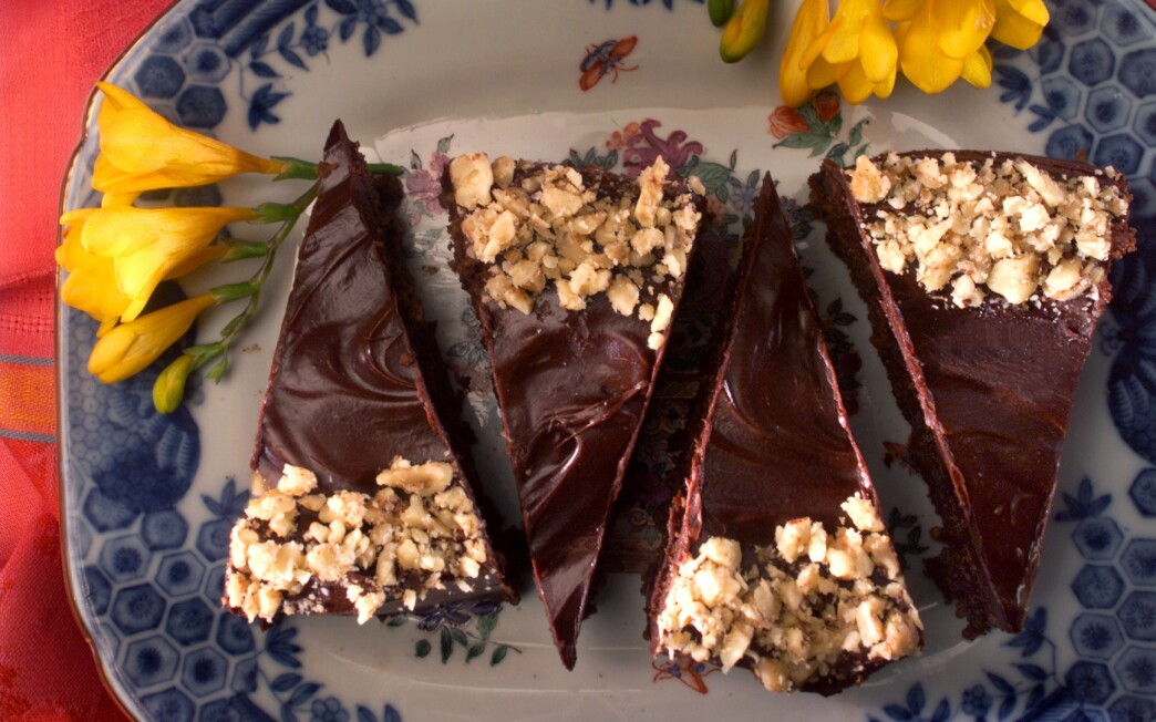 Hungarian Chocolate-Walnut Torte