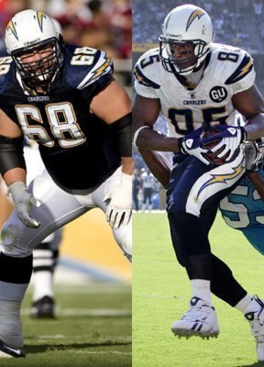 Guard Kris Dielman, left, and tight end Antonio Gates are the two Chargers named to start for the AFC Pro Bowl team. <br><em>Union-Tribune file photos</em>