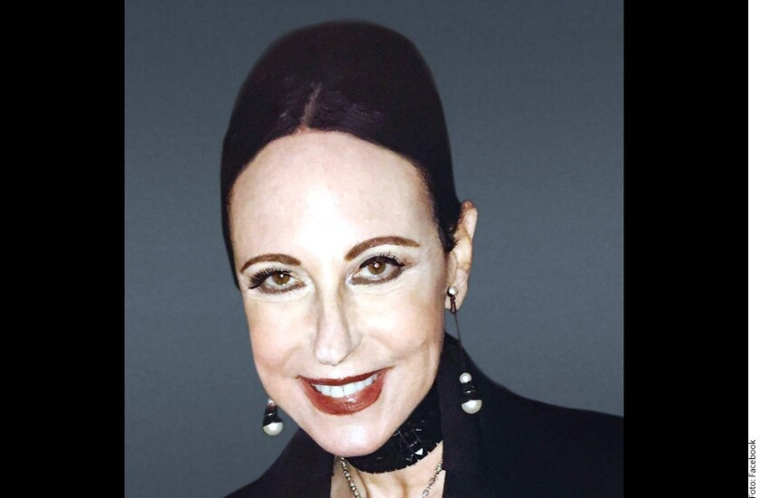 Nancy Lesser, vicepresidenta ejecutiva de HBO, presentó una demanda contra la Academia de Televisión y la ciudad de Los Ángeles por un accidente que sufrió en 2016 al salir de la ceremonia de los premios Emmy, donde se resbaló y rompió la pelvis.