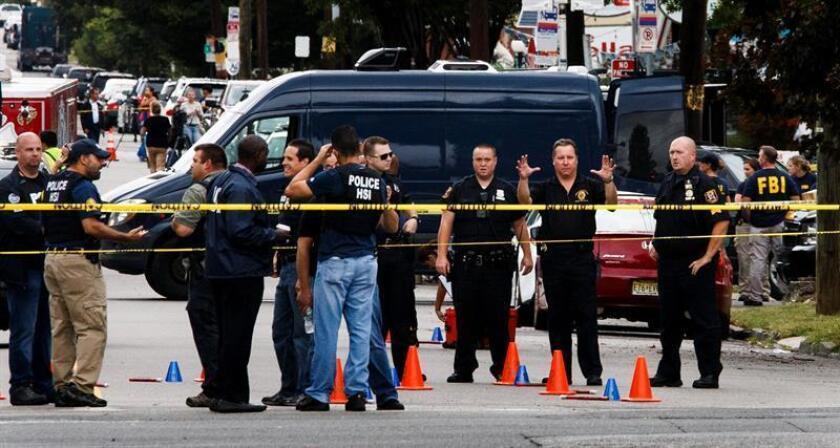 Al menos dos personas murieron hoy otra está en estado muy grave raíz de un tiroteo en un edificio de apartamentos en el distrito neoyorquino de El Bronx, según informan medios locales. EFE/Archivo