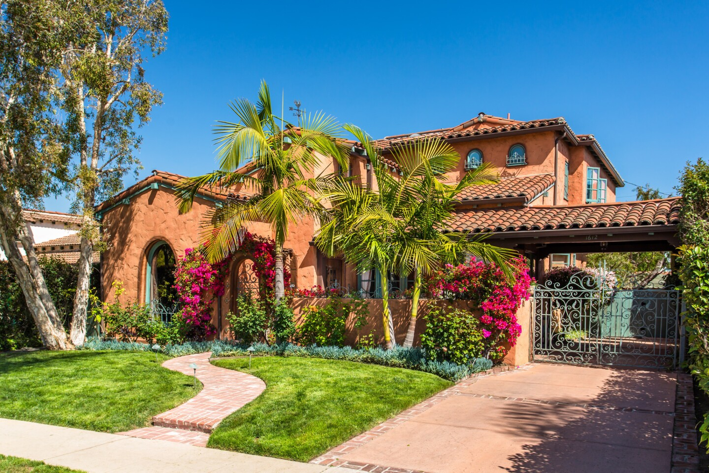 Home of the Day: Spanish style with set dressing