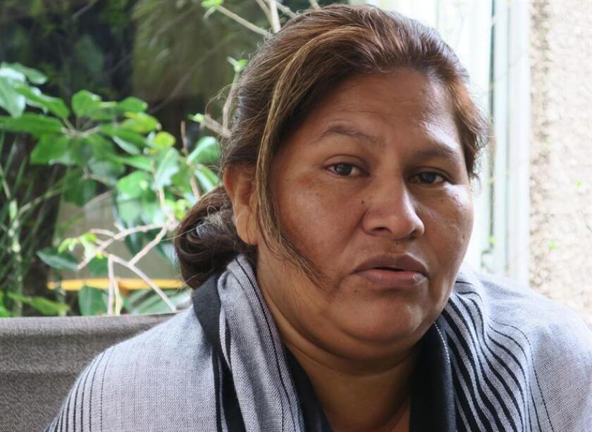 Fotografía del 17 de octubre de 2018, de la campesina y activista por los derechos humanos Francisca Ramírez, durante una entrevista con Efe, en Ciudad de México (México). EFE