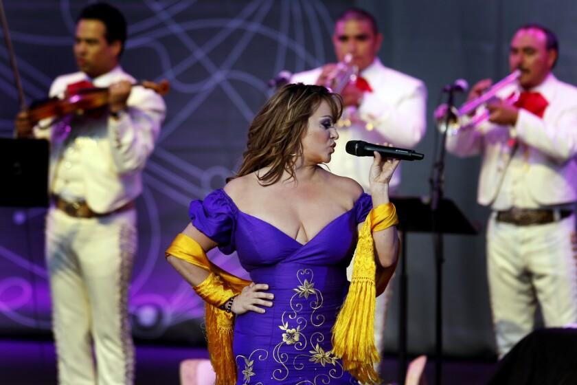 Una imagen del recuerdo de Jenni Rivera, la estrella de la música regional mexicana que hubiera cumplido 47 años el próximo 2 de julio y que será celebrada por su familia con un nuevo concierto.