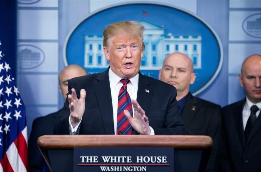 """Trump advierte que cierre federal podría prolongarse por """"largo tiempo"""""""