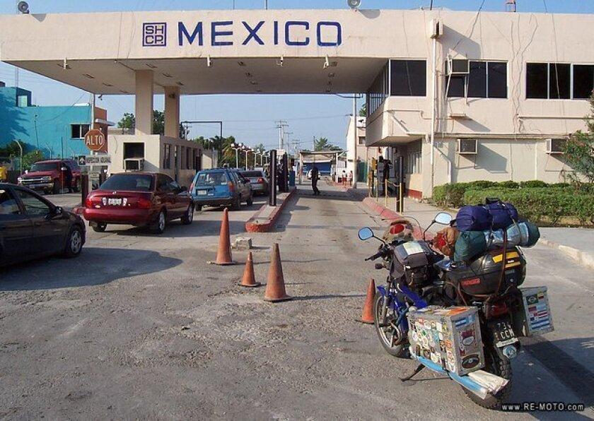 El secretario mexicano de Hacienda, José Antonio Meade, y el titular de Seguridad Interna de Estados Unidos, Jeh Johnson, anunciaron hoy la ampliación de la cooperación bilateral en materia de gestión de aduanas.
