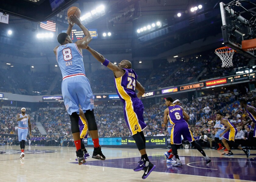Indications are that Kobe Bryant will play when Lakers visit Sacramento
