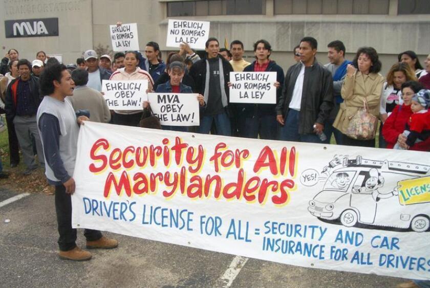 Organizaciones defensoras de los hispanos en EEUU iniciaron el lunes 15 de noviembre de 2005, una demanda legal contra las autoridades del estado de Maryland por su práctica de negar la licencia de conducir a algunos inmigrantes extranjeros. EFE/Archivo