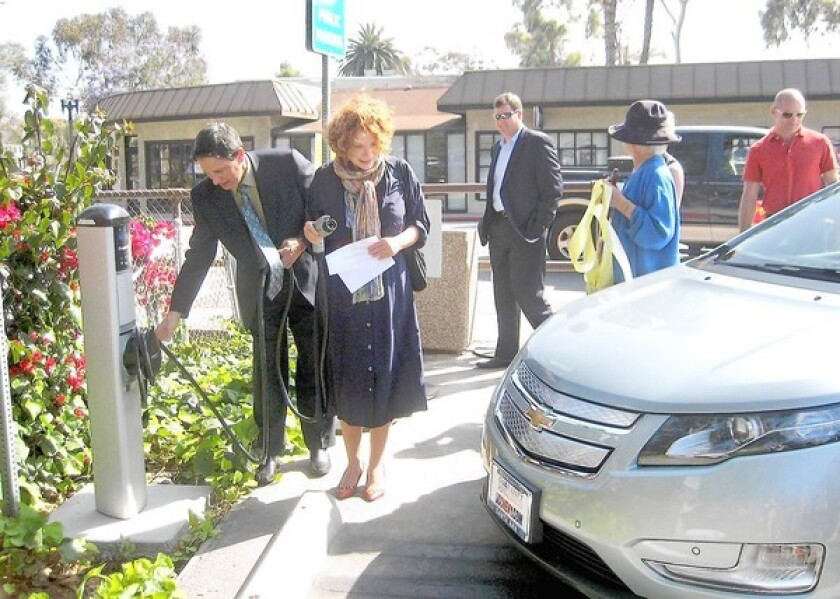 Laguna Beach and Fountain Valley not complying with electric vehicle law, O.C. grand jury report says