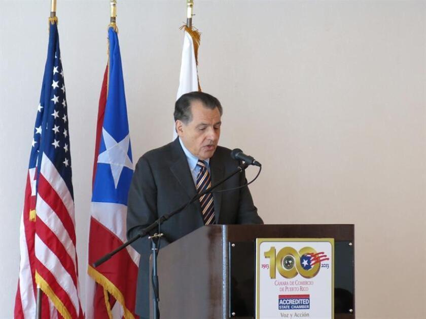 El exgobernador de Puerto Rico Rafael Hernández Colón durante una conferencia de prensa. EFE/Archivo