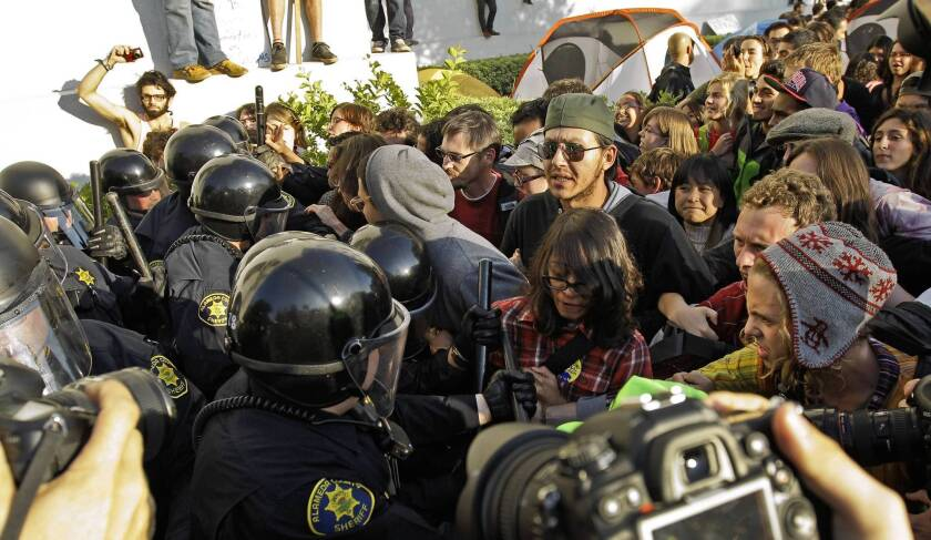 Police response to UC Berkeley Occupy protests is criticized