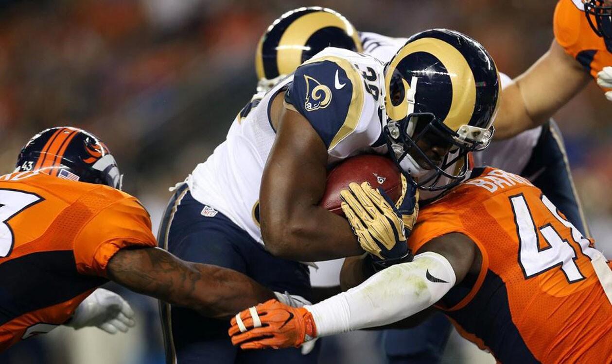 Los campeones Denver Broncos se impusieron a los Rams de Los Ángeles 17-9, en juego de la Semana 3 de la Pretemporada NFL que sirvió a los angelinos para experimentar.